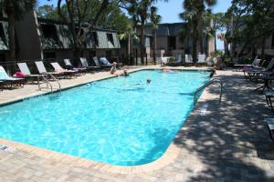 The swimming pool at or close to Hilton Head Ocean Villas
