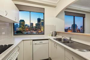 A kitchen or kitchenette at Bridgewater Apartments