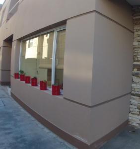 La fachada o entrada de La Casa de la Ruda