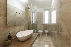 A bathroom at DIMORA MILANO