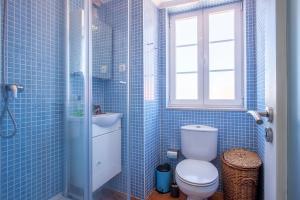 Salle de bains dans l'établissement Mouraria Duplex