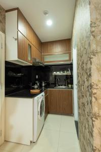 A kitchen or kitchenette at Green Cocoon