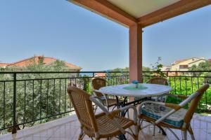 A balcony or terrace at Apartments Kentera
