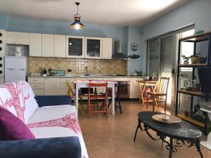 A kitchen or kitchenette at Vila Elmar