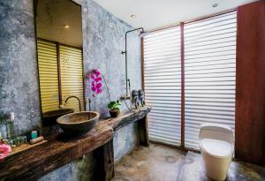 A bathroom at Villa Tao