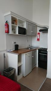 A kitchen or kitchenette at Stay Cork-Your Stay, Your Way