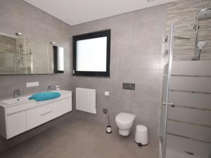 A bathroom at Modern Villa in Alcobaça with Private, heated Swimming Pool