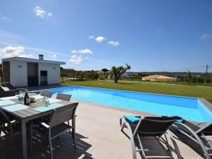 The swimming pool at or near Modern Villa in Alcobaça with Private, heated Swimming Pool