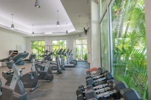 Gimnasio o instalaciones de fitness de Mareazul Beach Family CondoHotel - Playa del Carmen