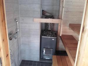 A bathroom at Ollilan Lomamajat