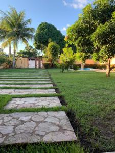 A garden outside Casa na Praia de Sauaçuhy - Ipioca - Maceió - AL