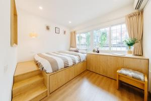 Airy- Sunkissed 2BR apartment - City center - Free breakfast