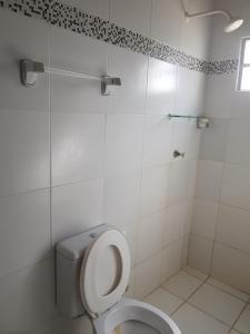 A bathroom at Apartamentos em Peroba