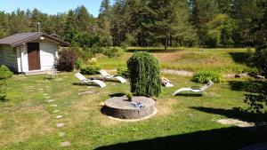 A garden outside Brīvdienu māja Jūras Straupes