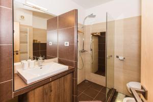 Ein Badezimmer in der Unterkunft Apartments Musicology