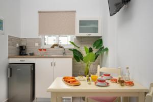 Η κουζίνα ή μικρή κουζίνα στο Hermes Beach Studios