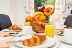 Breakfast options available to guests at Marasovica Apartments