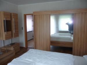 Postel nebo postele na pokoji v ubytování Ferienwohnung Bröske