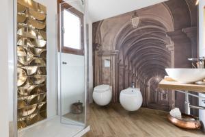 A bathroom at Villa Dama luxury