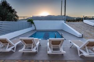 Bazén v ubytování Casa Greco nebo v jeho okolí