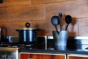 Una cocina o kitchenette en Garden Point Luxury Apartments