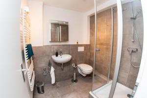 A bathroom at St Pauli CITY Apartment