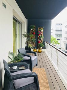 A balcony or terrace at Dream Space Home