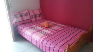 Ένα ή περισσότερα κρεβάτια σε δωμάτιο στο Paliouria Hotel