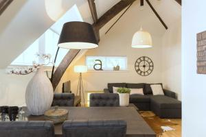 A seating area at Stayci Serviced Apartments Nobelle Deluxe