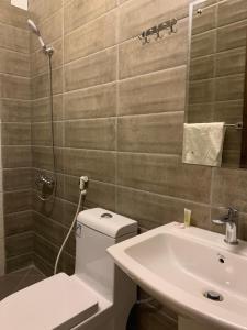 A bathroom at سماء الطائف للوحدات السكنيه