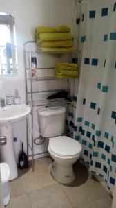 Un baño de Departamentos Rohe