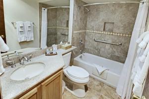Um banheiro em Heidelberg Inn