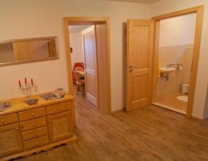A kitchen or kitchenette at Apartment Sonnbichl