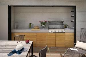 Kuhinja oz. manjša kuhinja v nastanitvi Kambra