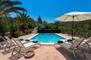 The swimming pool at or near Villa Benirrás