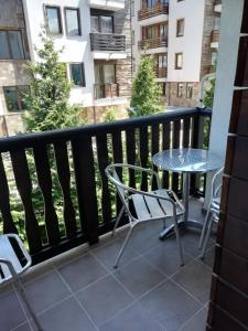 A balcony or terrace at Fortuna Apartments