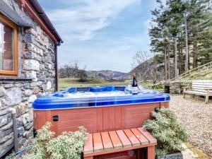 The swimming pool at or near Holiday Home Caeryn