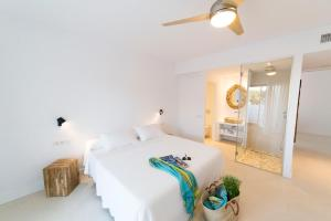 Cama o camas de una habitación en Sa Cala Suites (Ex Ap Pascual)