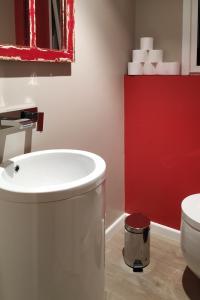 A bathroom at Galicia Home