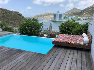 The swimming pool at or near Villa Horizon