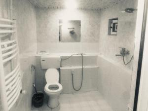 Bagno di Holiday Home on 8 Mart Street