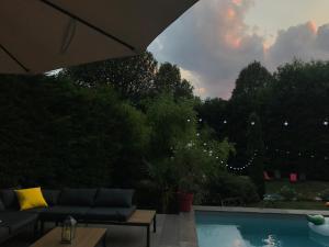Villa Maison à Ecully très proche de Lyon avec Piscine et ...