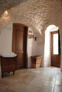 A bathroom at Trulli Aria di Casa