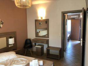 A bed or beds in a room at Villa Mary 1