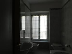 A bathroom at Fratelli Asquasciati 53 Apartments Sanremo - 022