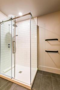 A bathroom at Les Lofts St-Paul by Les Lofts Vieux Québec