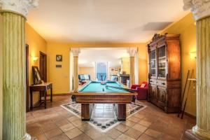 A pool table at Heart and Soul of Sorrento