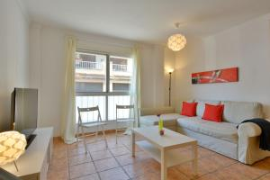 A seating area at 28 Townhouse 200mts from sea/beach