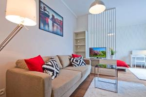 A seating area at The Best Stay Central Apartment Gdansk