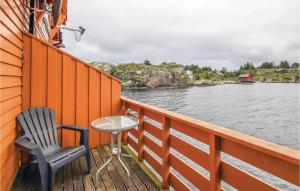 A balcony or terrace at Two-Bedroom Apartment in Tjeldsto